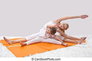 madre, joven, prácticas, hijo, yoga, ella, hermoso