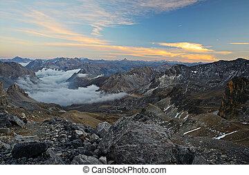 majestuoso, vista montaña, anochecer