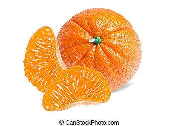Mandarina aislada en blanco
