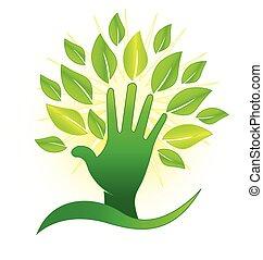 Mano con hojas verdes y logotipo de rayos