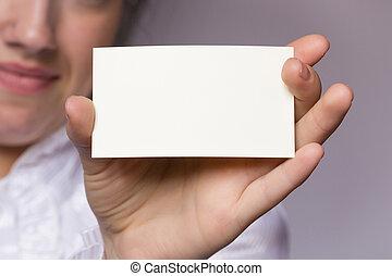 Mano con tarjeta