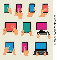 Manos a mano sujetando tabla y teléfono inteligente