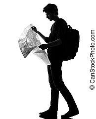 mapa, silueta, joven, mochilero, lectura, hombre