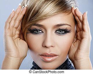 Maquillaje de plumas
