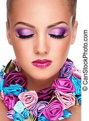 Maquillaje de violeta