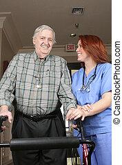Mayor con enfermera