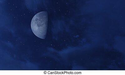 Media luna en el cielo nocturno estrellado