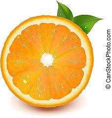 Media naranja con hojas y agua