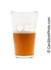 Medio vaso de cerveza, cerveza o cerveza