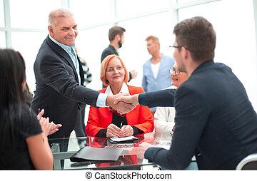 meeting., discu, gente, grupo, elegante, moderno, uso casual, personal