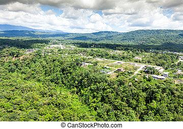 Mera City en Amazon Basin Ecuador