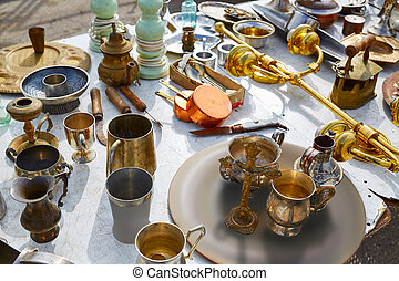 Mercado de antigüedades al aire libre en España
