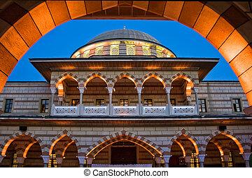 Mezquita por la noche