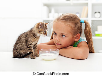 Mi gato y yo, la niña y su gatito