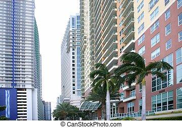 Miami en el centro con edificios coloridos