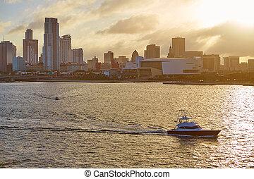 Miami en el centro de Skyline Sunset Florida