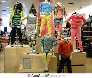 moderno, niños, ropa, cómodo