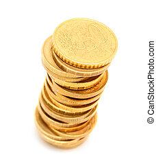 Monedas de oro en un fondo blanco.