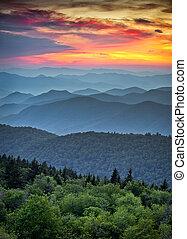 montañas azules, grande, caballete, capas, escénico, parque nacional, ocaso, cerros, appalachian, ahumado, parkway, encima, paisaje