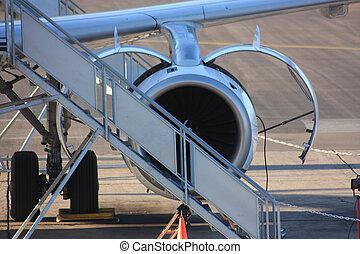 Motor de avión bajo mantenimiento