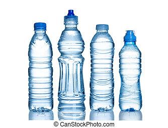 Muchas botellas de agua