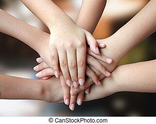 Muchas manos, 4 éxitos