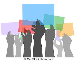 Muchas personas sosteniendo espacios de color