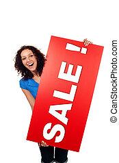mujer, actuación, venta, aislado, señal, cartelera, sonriente, rojo