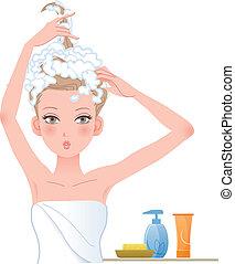 Mujer bonita posando graciosa, enjabonando su cabeza