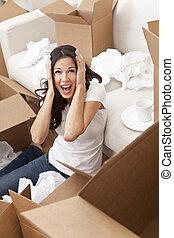 mujer, casa, cajas, mudanza, estridente, desembalar