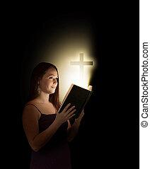 Mujer con Biblia