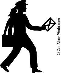 Mujer correo con carta