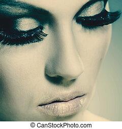 Mujer de la moda, hermoso retrato femenino para tu diseño