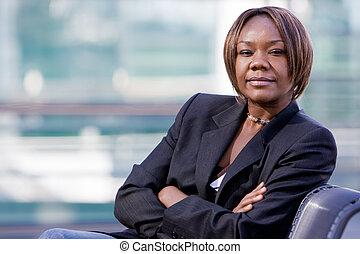 Mujer de negocios afroamericana negra