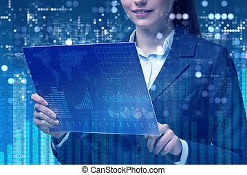 Mujer de negocios en línea concepto de comercio de valores
