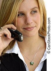 Mujer de negocios en un celular