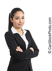 Mujer de negocios feliz posando