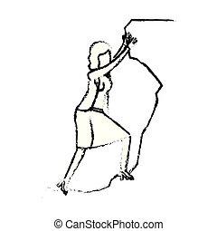 Mujer de negocios tratando de subir a la cima de la silueta de piedra monocromo borroso