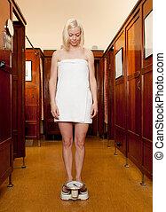 Mujer en escala