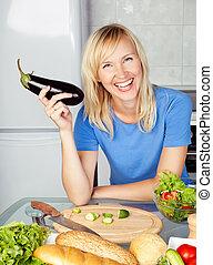 Mujer en la cocina