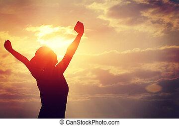 mujer, fuerte, brazos, confianza, abierto