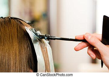 mujer, peluquero, color, pelo, nuevo, consigue, ¿?