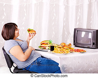 mujer que come, mirar, alimento, rápido, tv.