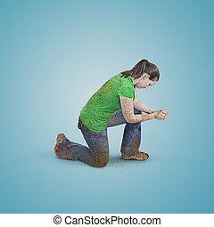 Mujer sucia rezando.