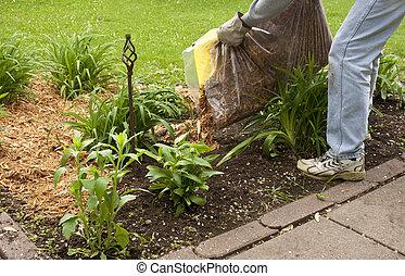 Muleando un jardín de flores