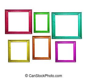 Multicolorados cuadros de madera aislados en blanco