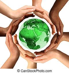 multiracial, globo de la tierra, alrededor, manos