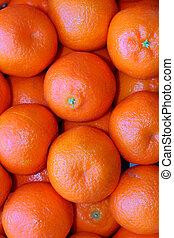 naranjas mandarinas en una caja de frutas frescas