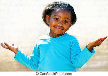 niña, open., brazos, perplejo, africano