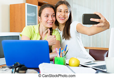 niñas, móvil, foto, elaboración, teléfono